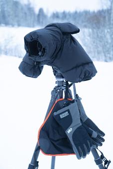 VANGURARDSBー100今回は重石入れより、雪の上で疲れて座るときにの敷物として大活躍。濡れると侮れない寒さなのです。
